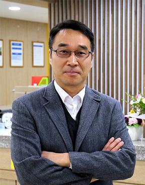 재활·요양의료서비스 질적 향상…환자·직원이 행복한 병원 주목 - MAXFC 링닥터 이성억 원장